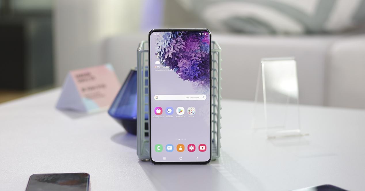 Apertura Samsung Galaxy S20+
