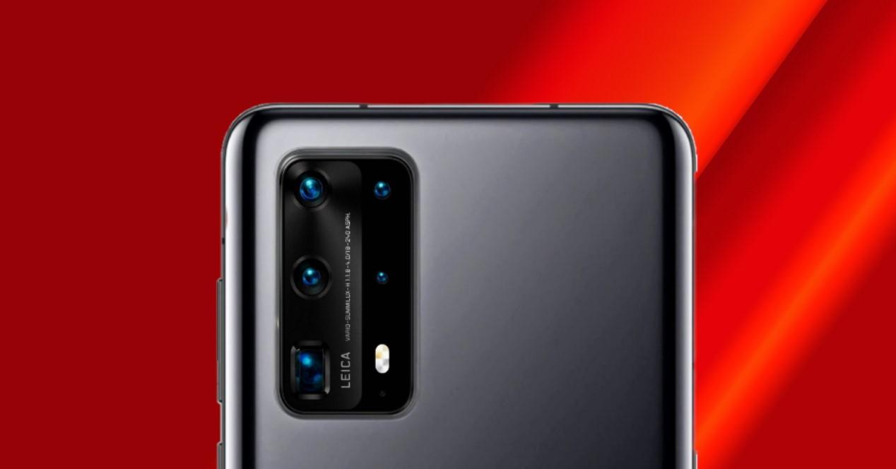 Huawei P40 Pro y fondo rojo