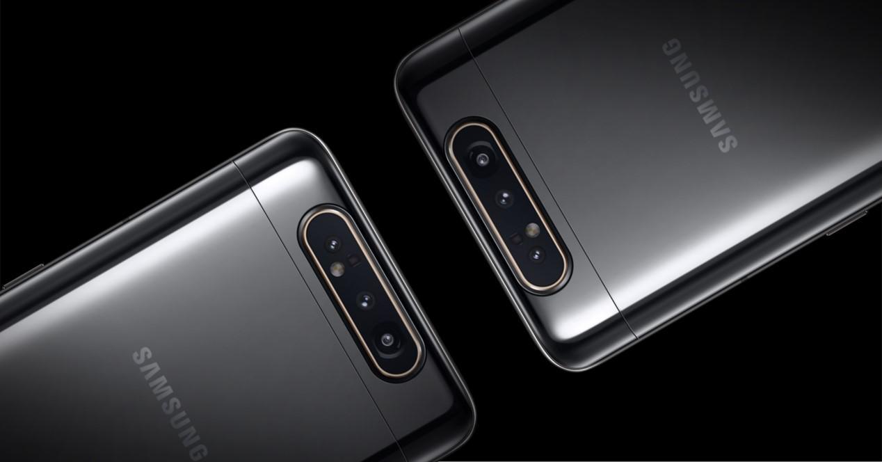 Samsung Galaxy A80 camaras fondo negro