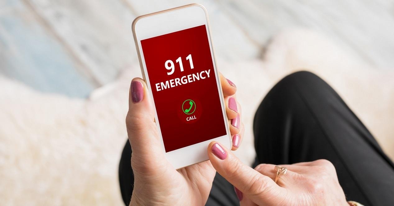 movil llamando a emergencias