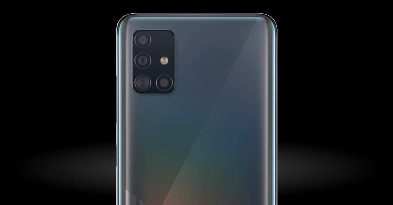 Samsung Galaxy A51 fondo negro