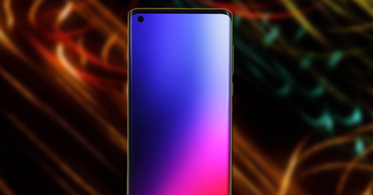 Smartphone Motorola Edge con fondo colores