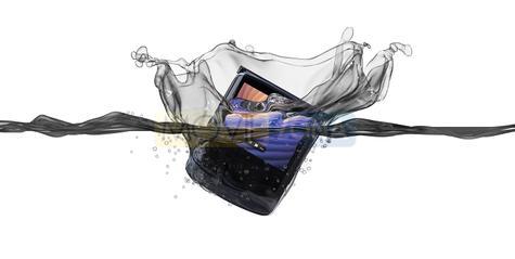 Motorola Razr 5G agua