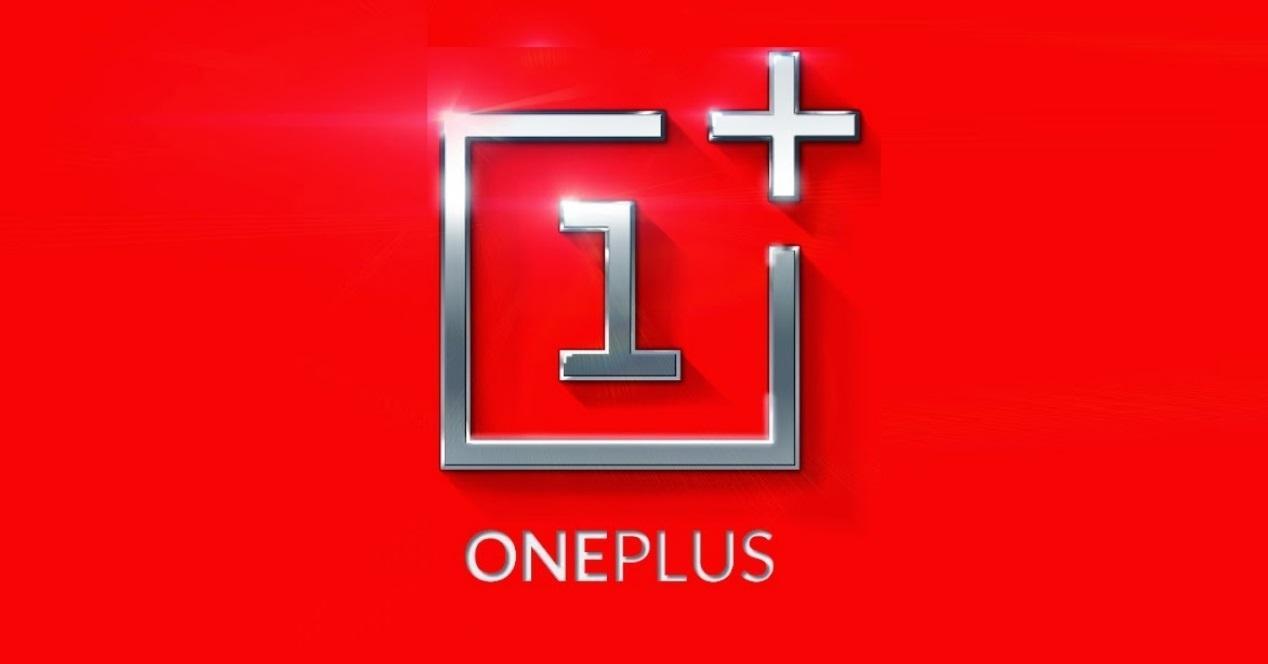 oneplus logo y fondo rojo