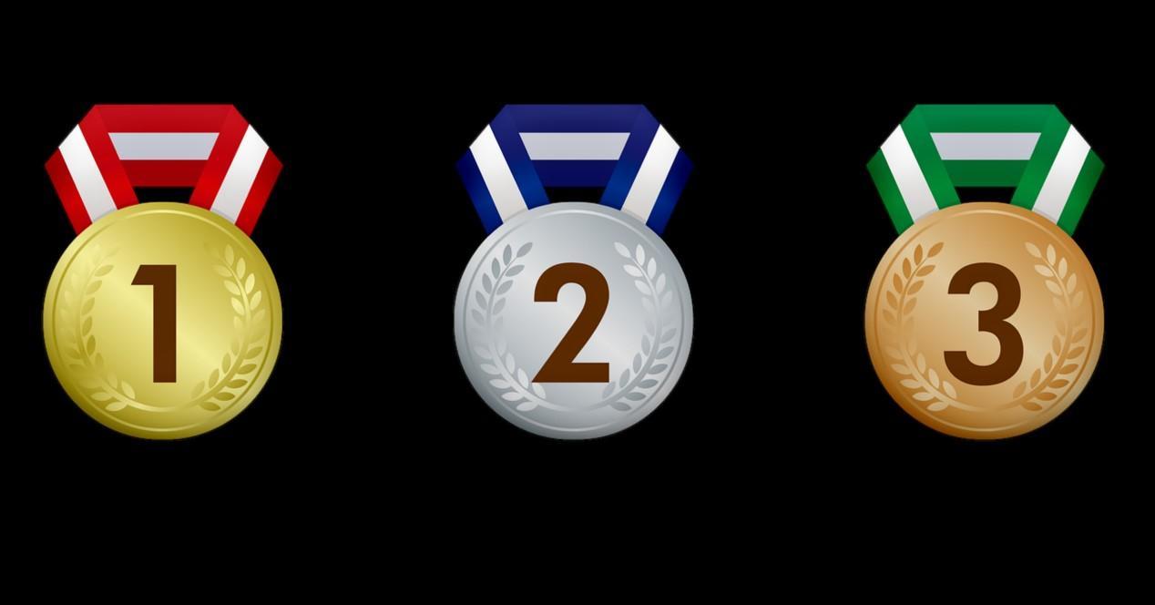 medallas y fondo negro
