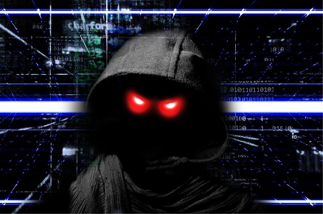 hacker con ojos rojos