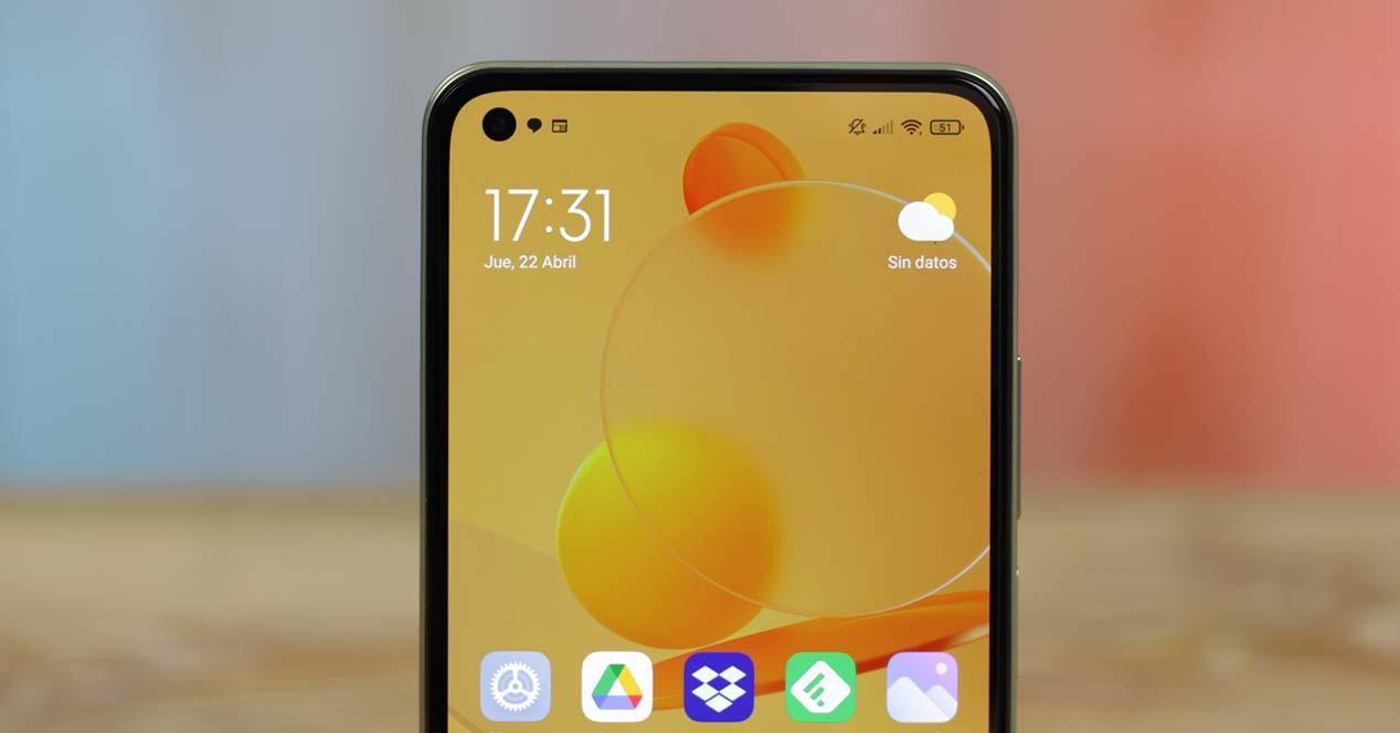 Pantalla del Xiaomi Mi 11 Lite 5G con fondo