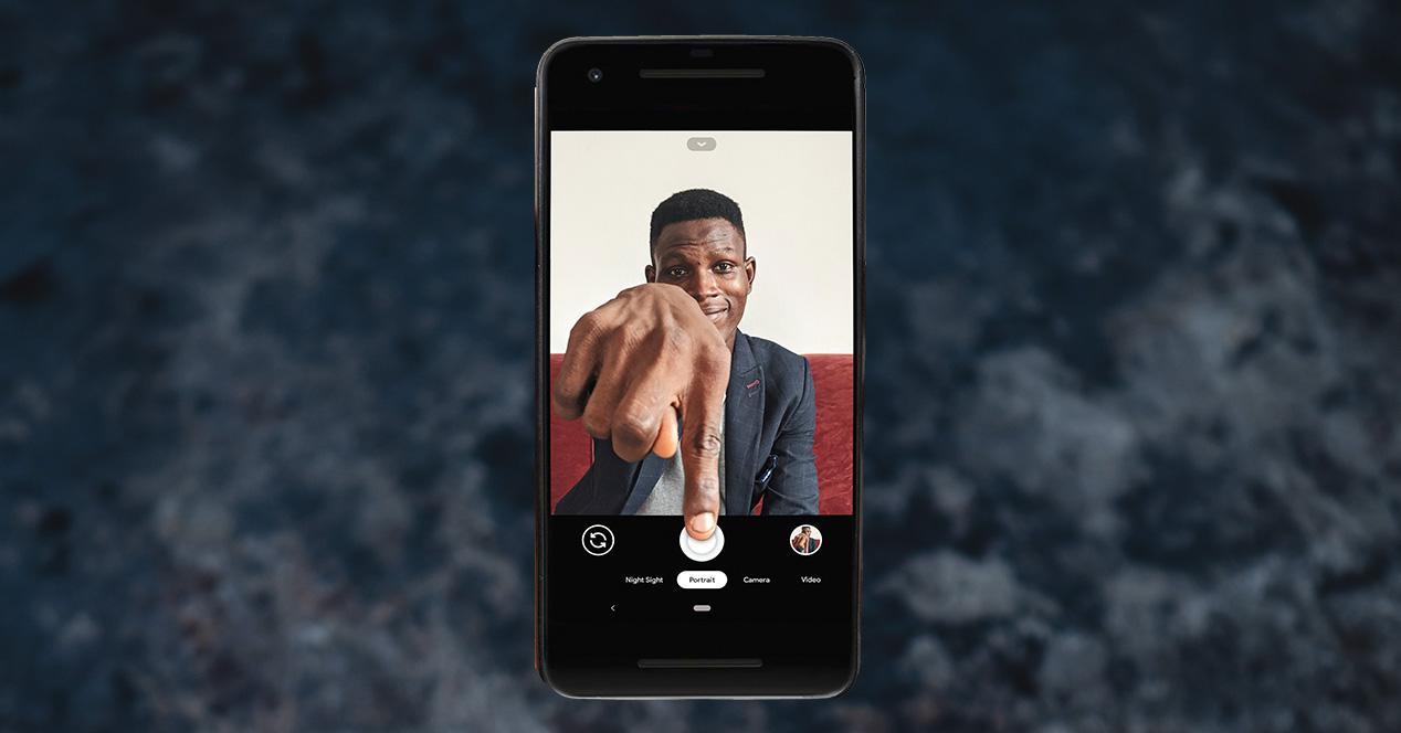 Sacar selfies sin manos