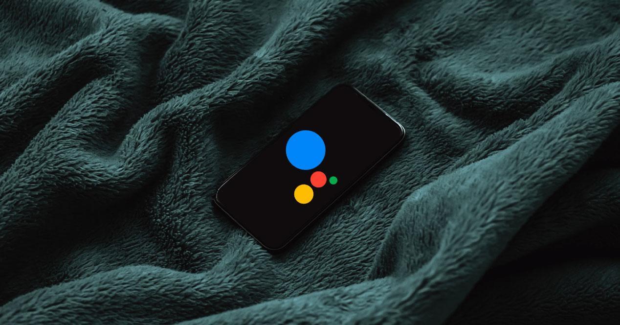 google assistant pantalla apagada